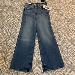 Forever 21 Wide Crop High Waisted Jeans Size 24